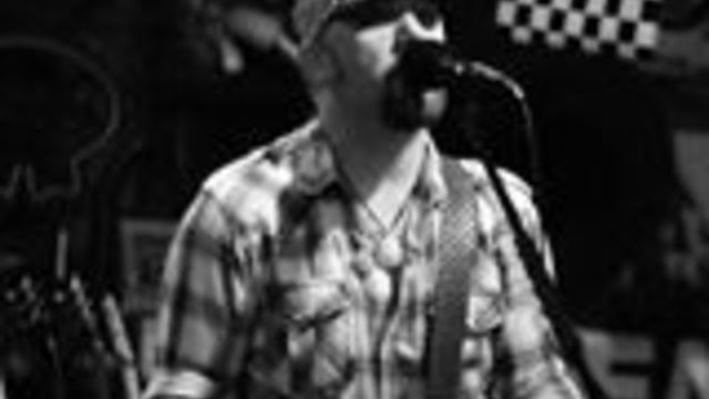 Scott Little - Smith's Olde Bar - 2014-05-01T23:45:00+00:00