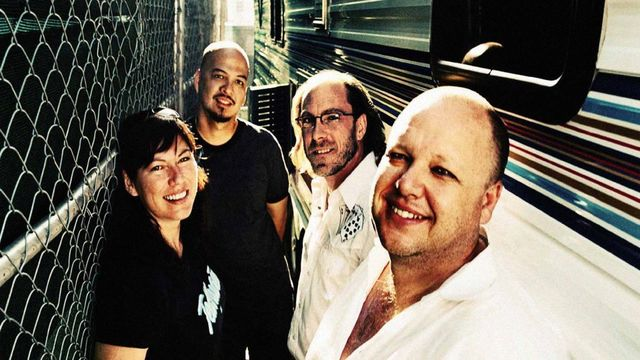 Pixies - Fine Line Music Cafe - 2004-04-15T01:00:00+00:00