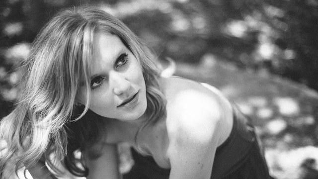 Leah Nobel - Lambert's Downtown Barbecue - 2014-05-09T00:32:00+00:00